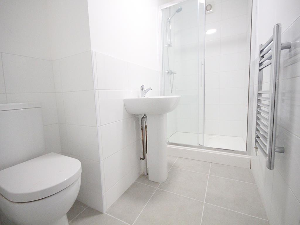 2 bedroom apartment To Let in Earby - IMG_5059.jpg